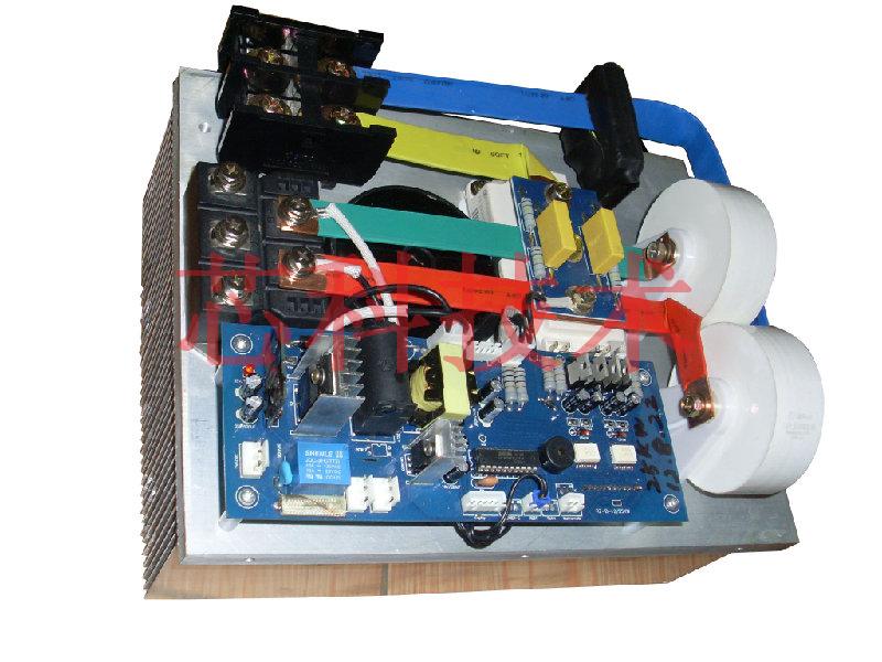 电磁感应加热控制器中的过电流保护电路